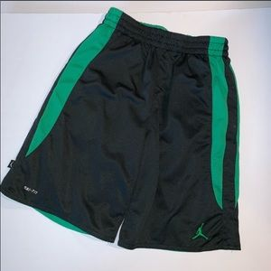 Boys Dri Fit Shorts SZ Med Basketball
